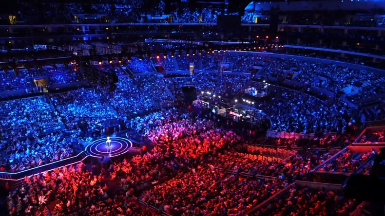 league_of_legends_world_championships_staples_crowd.0